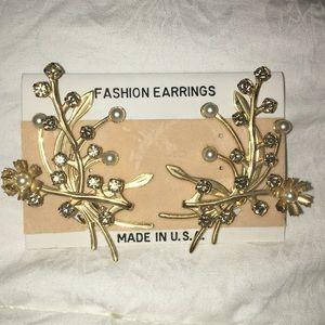Vintage gold tone rhinestone floral clip earrings